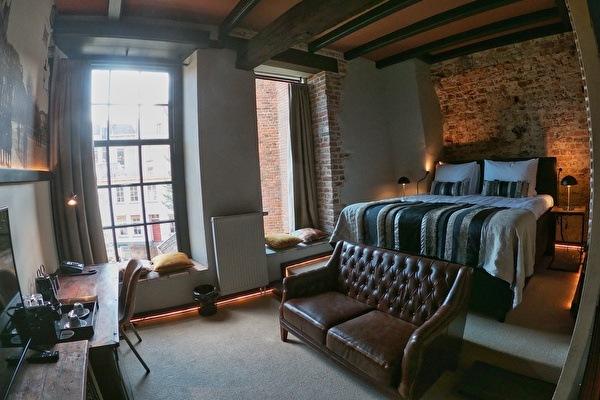 Monastery Suite